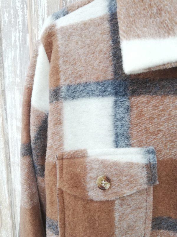 abrigo de cuadros de lana